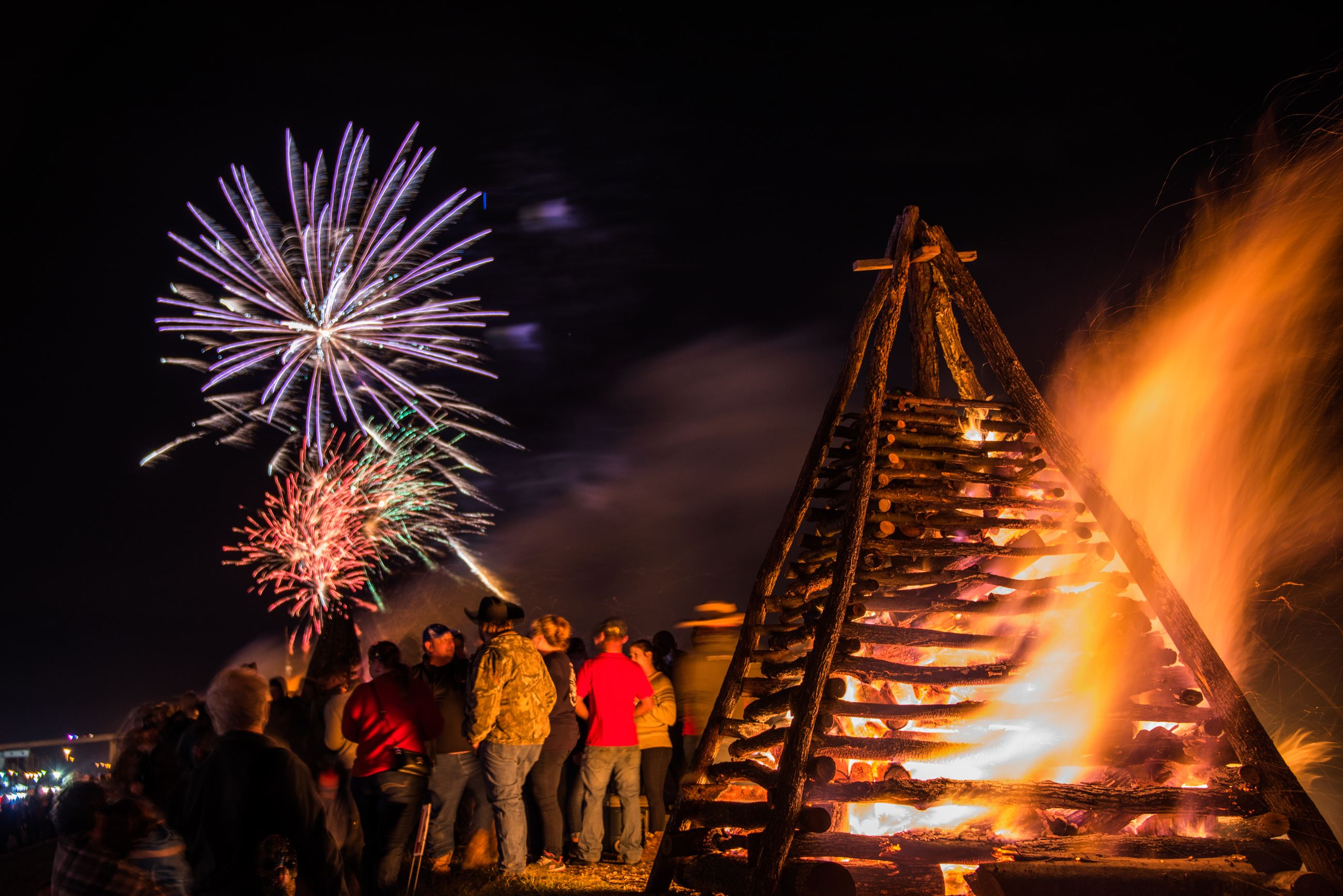 Bonfires on the Levee 2017-Boone Clemmons-21